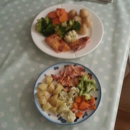 #Middag med Elias. Fisk, poteter og grønnsaker